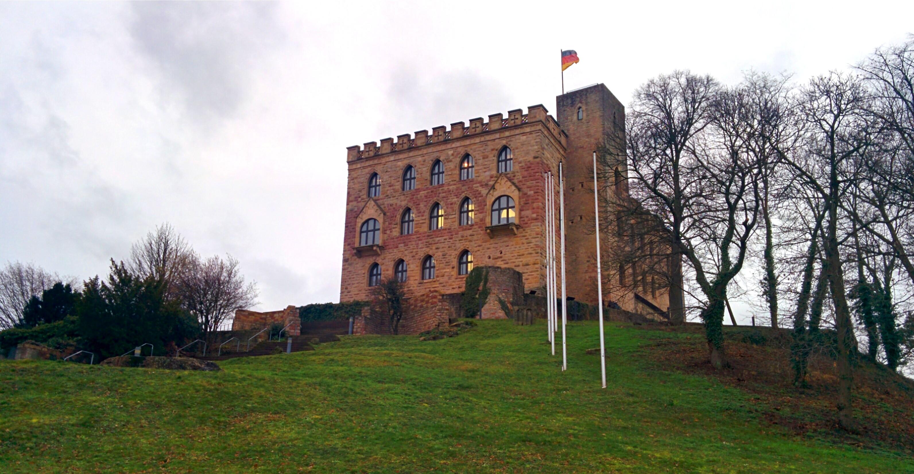 DB0NW Hambacherschloss